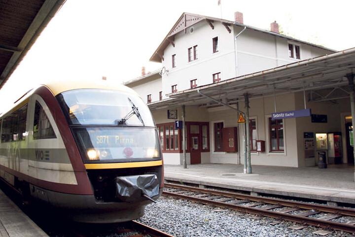 Hier im Bahnhof Sebnitz wurden Drogen im Mülleimer deponiert.