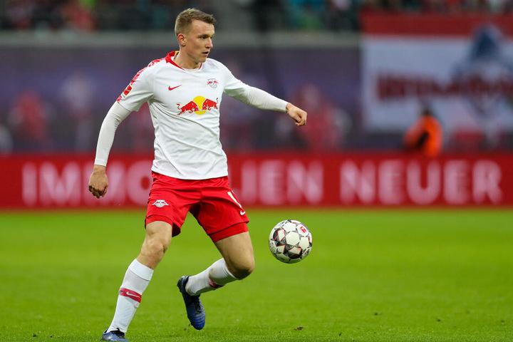 Borussia-Manager Michael Zorc soll die Bemühungen um den Verteidiger von RB Leipzig intensiviert haben.