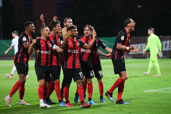 Der SV Wehen Wiesbaden erkämpfte sich in der Verlängerung das 3:3 und somit das Elfmeterschießen.