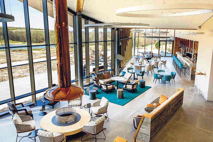 """Mit dem außergewöhnlichen Clubhaus und der Erweiterung des Golfplatzes soll  Herzogswalde in die """"erste Golfliga""""  aufsteigen."""