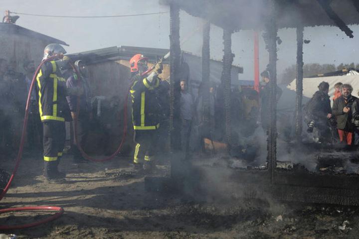 Bei der Räumung am Dienstag gab es mehrere Brände.