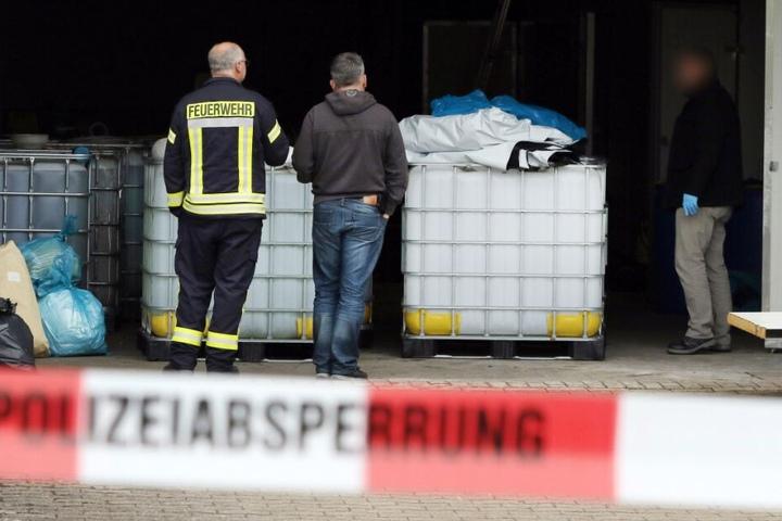 Insgesamt 10 Tonnen Chemikalien entdeckte die Feuerwehr.