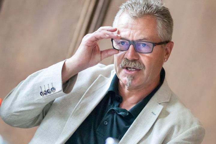 Ordnungsbürgermeister Miko Runkel (56, parteilos) will Hinweise zum Füttern  von Wildtieren im Amtsblatt veröffentlichen.