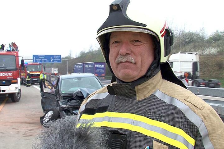 Stadtwehrleiter Falk Arnhold (52) ist mit seinen Kameraden der Freiwilligen Feuerwehr Wilsdruff mehrmals wöchentlich auf der A4 im Einsatz.