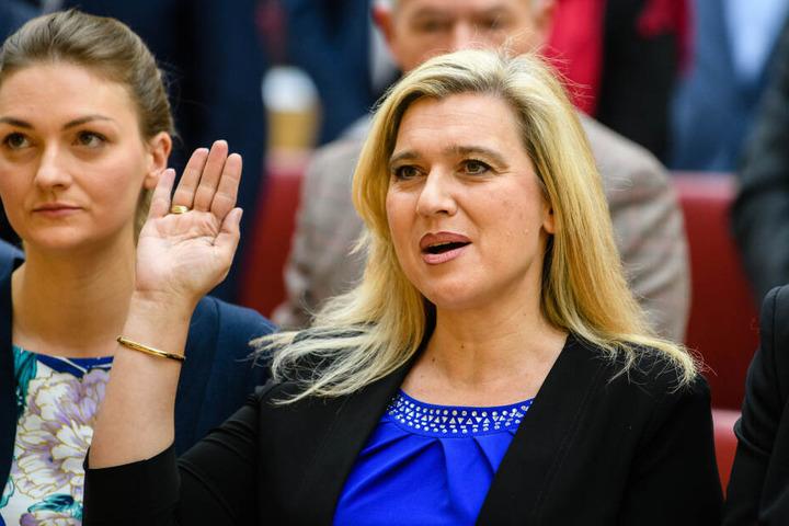 Melanie Huml (CSU), Gesundheitsministerin von Bayern, bei ihrer Vereidigung: Sie will nun eine Schutzkampagne gegen sexuell übertragbare Krankheiten starten. (Archivbild)