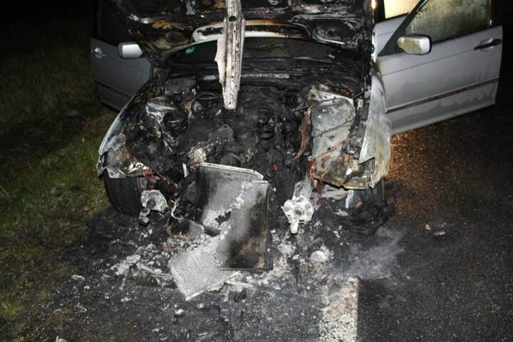 Nach dem Abbrennen war vom BMW nicht mehr viel übrig.