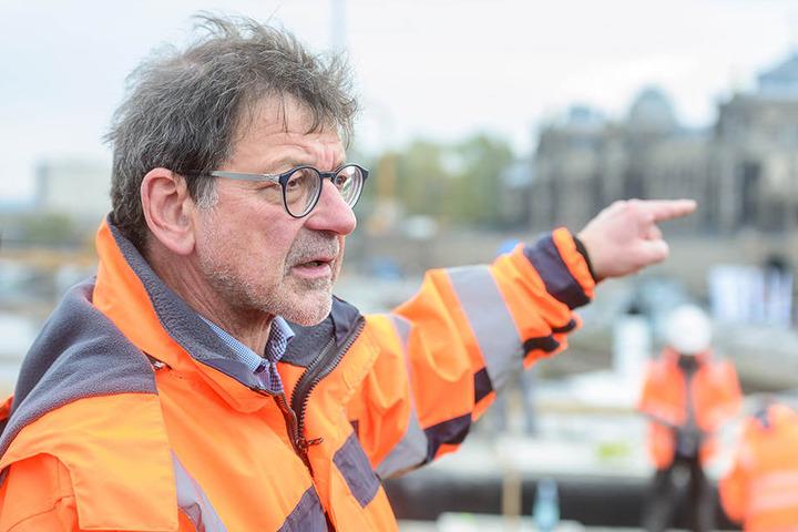 Herr über Dresdens Straßen: Amtsleiter Reinhard Koettnitz (63).