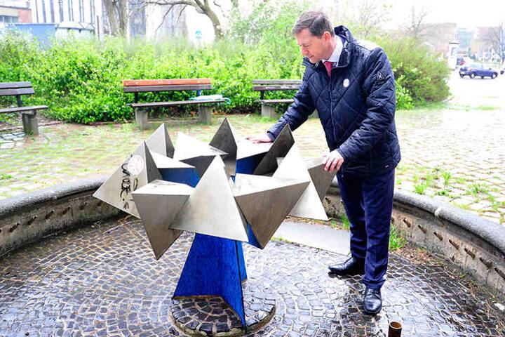 300.000 Euro fehlen, um die Brunnen auf Vordermann zu bringen, kritisiert  Stadtrat Andreas Schmalfuß (50, parteilos).