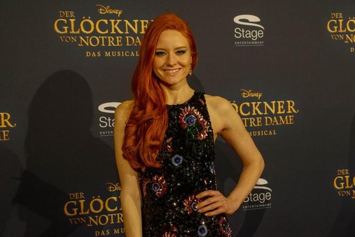Model Barbara Meier erschien am Sonntagabend zur Premiere des Disney Musicals.