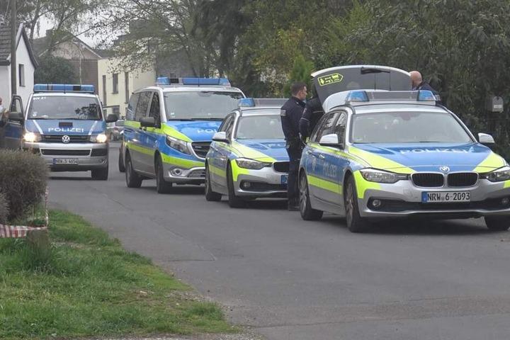 Die Polizei war mit einem Großaufgebot vor Ort in Bonn.