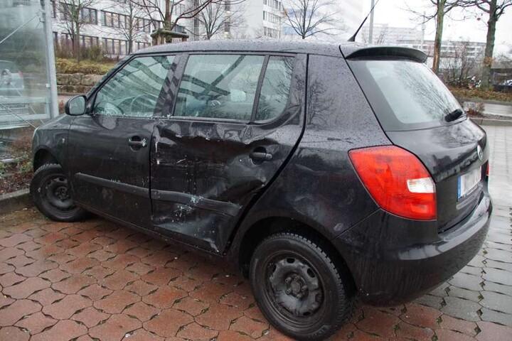 Auch dieses Auto hat es erwischt.