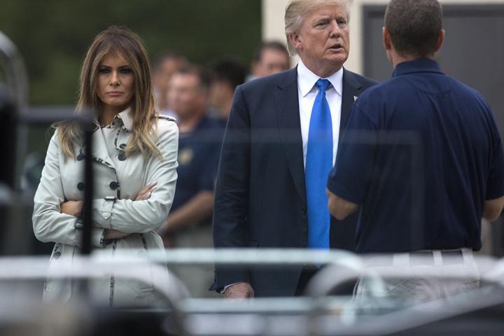 Am selben Tag zeigt sich die First Lady nochmal ohne Sonnenbrille.