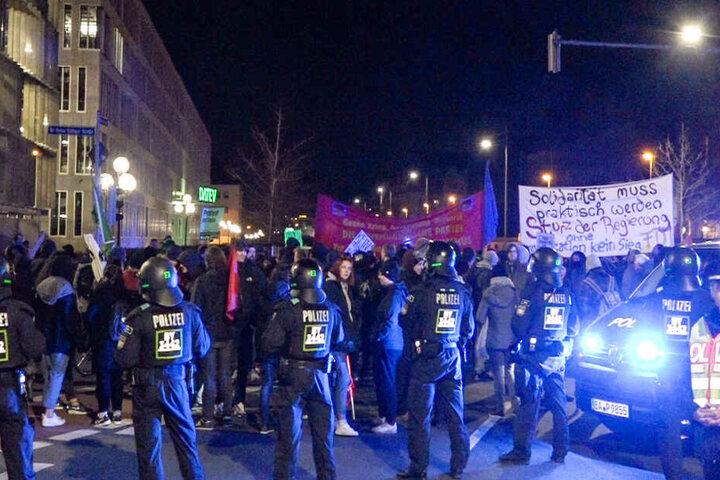 Eine geplante Abschiebung hat in Nürnberg viele Menschen auf die Straße gebracht.