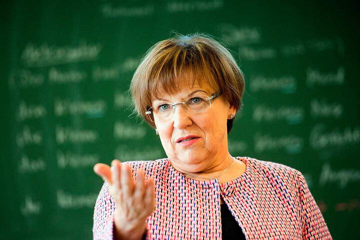 Kultusministerin Brunhild Kurth (63, CDU) will, dass Kinder mit Handicap normale Bildungseinrichtungen besuchen.