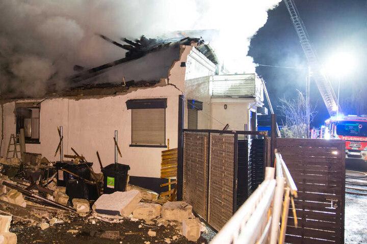 Teile des Dachstuhls stürzten durch den Brand ein.