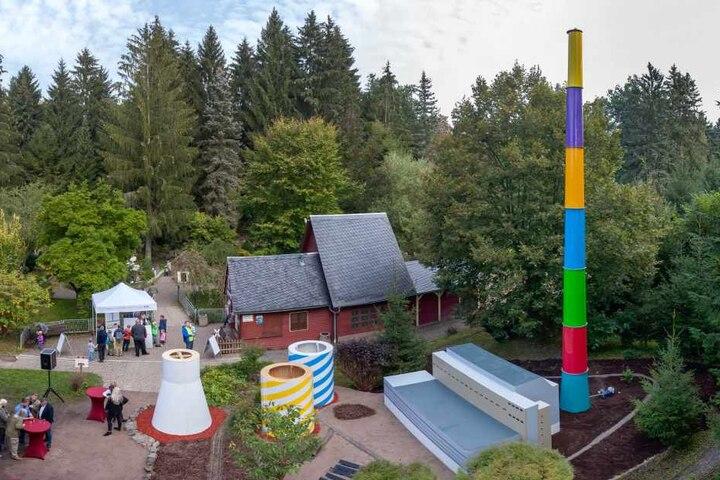 Das neue Highlight im Miniaturpark Klein Erzgebirge: Der Mini-Lulatsch überragt mit seinen zwölf Metern Höhe die gesamte Anlage.