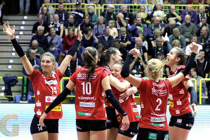 Die DSC-Schmetterlinge feierten einen ganz souveränen 3:0-Sieg bei den Ladies in Black Aachen