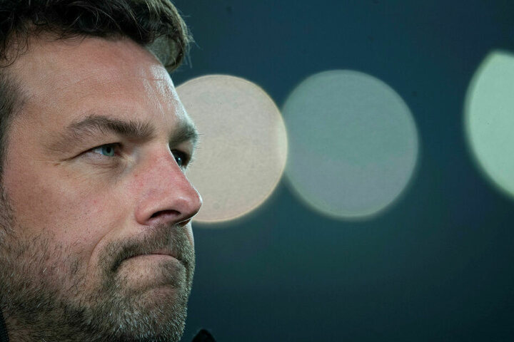 Markus Weinzierl (44) muss mit dem VfB Stuttgart dringend punkten, um seinen Job zu sichern.