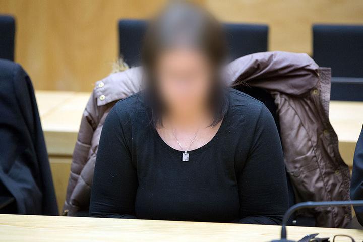 Nadine K. ist eine der vier Angeklagten.