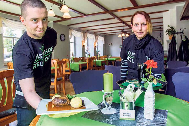 """Ronny Lautererbach (30) tischt mit Frau Tina (39) im """"Kaiserhof"""" auf."""
