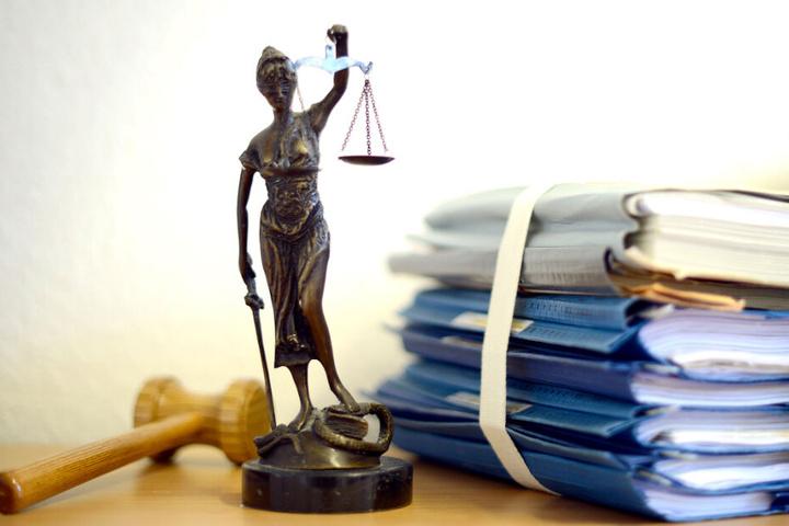 Heute wird das Urteil in dem Prozess in Erlangen erwartet. (Symbolbild)