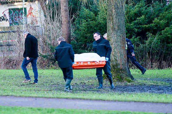 Die Leiche wurde abtransportiert.