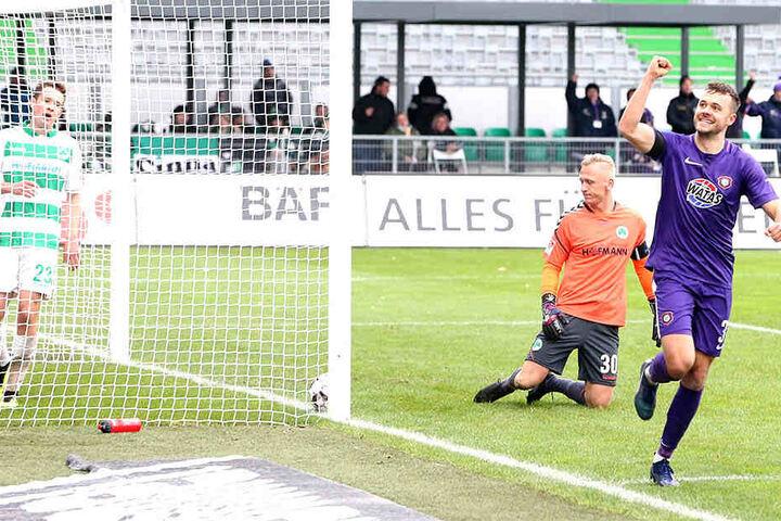 """Die """"Veilchen"""" bejubeln einen von fünf Treffern gegen die SpVgg Greuther Fürth, den diesjährigen Auftaktgegner des FC Erzgebirge."""