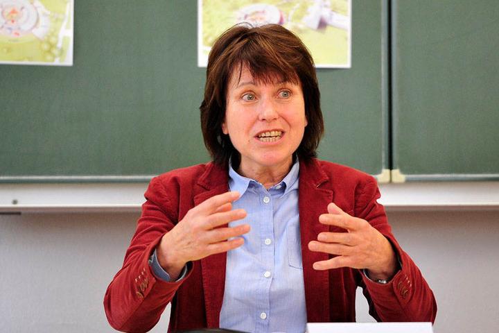 Zwickaus OB Pia Findeiß (61, SPD): erst sechs Stunden an der Grenze festgehalten, dann Verleumdungsprozess gewonnen.