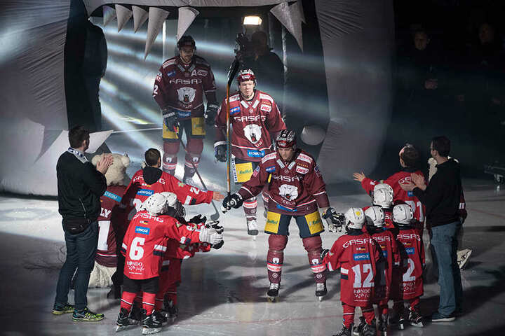 Die Eisbären Berlin hoffen auf lautstarke Unterstützung der Fans.