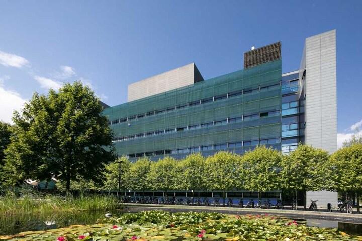 Laut Staatsanwältin versuchte Peggy ihren Arbeitgeber, das  Max-Planck-Institut für molekulare Zellbiologie und Genetik, zu betrügen.
