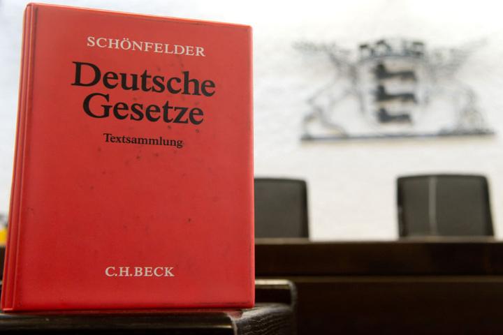 Der ehemalige Bürgermeister klagt vor dem OLG in Stuttgart. (Archivbild)