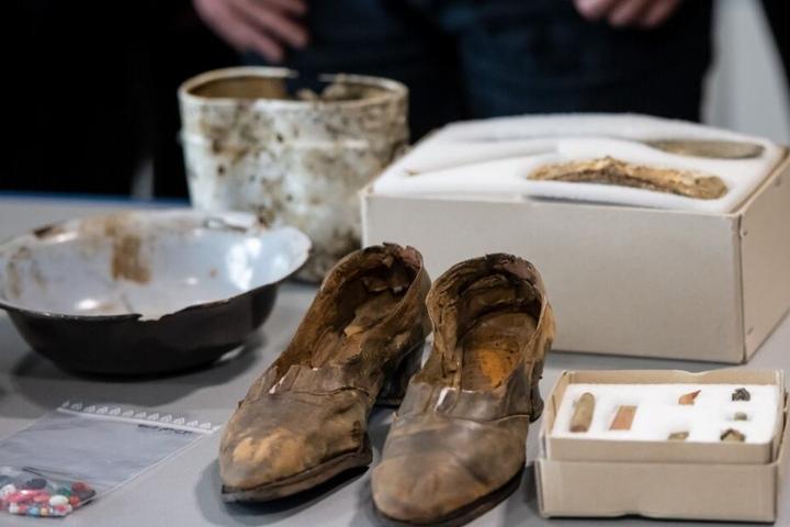 Man hat mehr als 400 Fundstücke an drei Tatorten im Arnsberger Wald gefunden.