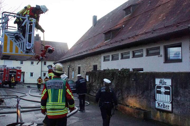 Insgesamt waren 40 Floriansjünger und mehrere Polizeistreifen im Einsatz.