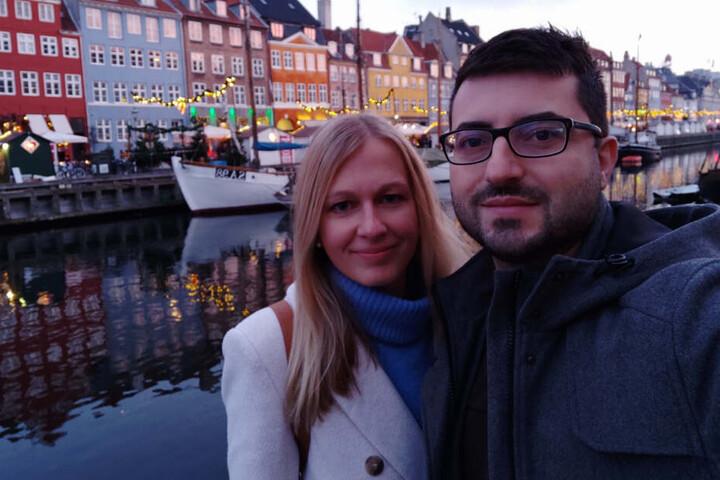 """""""Wende-Baby"""" Anja Tasler (30) feiert ihren persönlichen Ehrentag heute mit Freund Bruno Fernandes (33) am berühmten Nyhavn von Kopenhagen."""