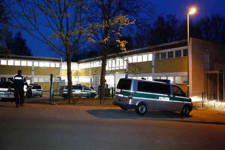 In der Nacht zu Sonnabend eskalierte im Heim für unbegleitete minderjährige Flüchtlinge in der Friedrich-Hähnel-Straße ein Streit.