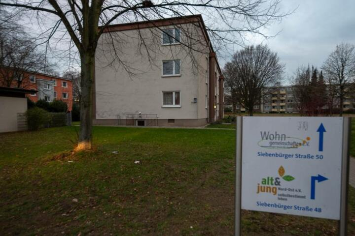 Vor der Wohngruppe in Baumheide hat der 15-Jährige seinem Opfer aufgelauert.