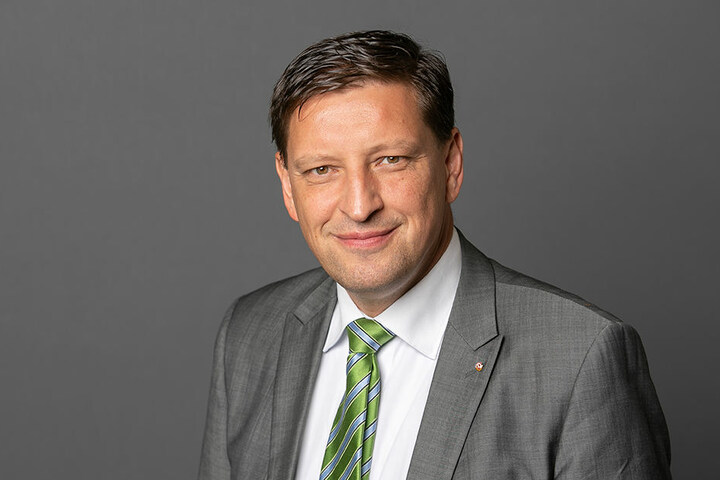 Stadtrat Jens Genschmar (49, FDP) wehrt sich gegen die Anschuldigungen.