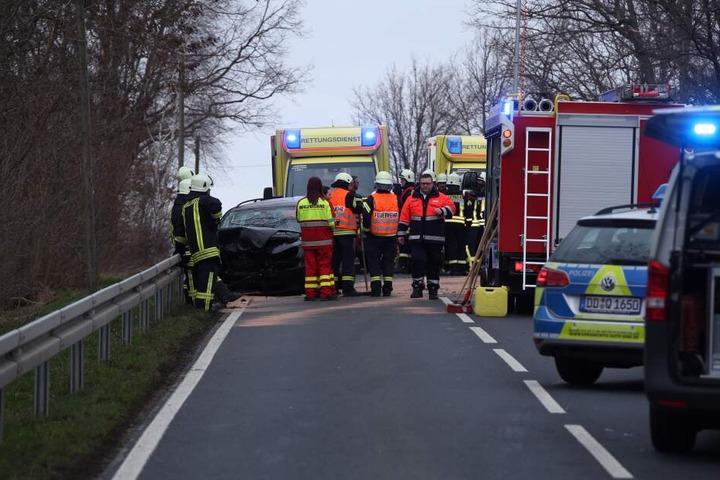 Feuerwehr, Krankenwagen und Polizei sind noch vor Ort.