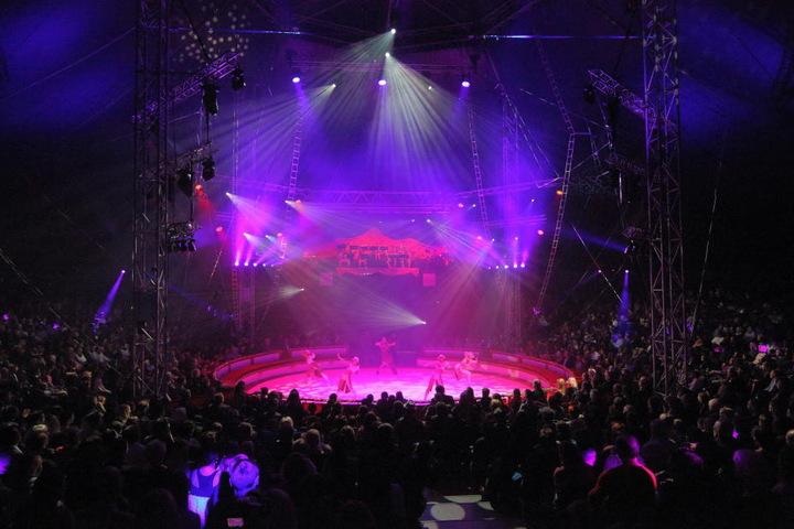 Mega-Premiere beim Weihnachts-Circus.