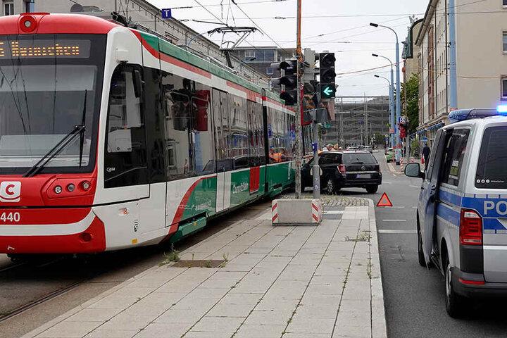 Nachfolgende Straßenbahnen konnten die Zentralhaltestelle nicht anfahren.