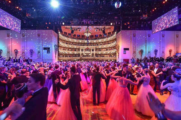 Beim SemperOpernball tanzen zu dürfen, ist für viele eine große Ehre.
