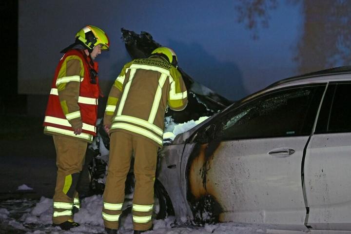 Das Auto erlitt durch den Brand ein Totalschaden.