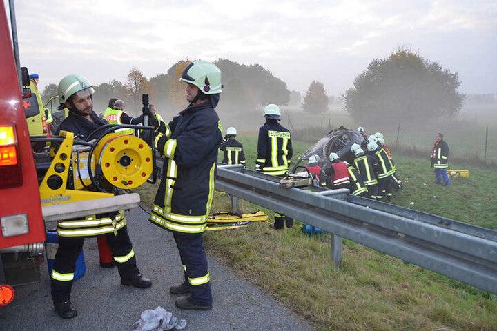Die Rettungskräfte waren knapp zwei Stunden im Einsatz.