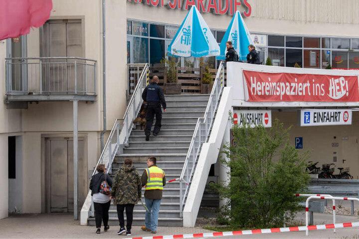 Eine Bombendrohung für das Holzkirchen Einkaufsparadies hat am Freitag für Aufregung gesorgt.