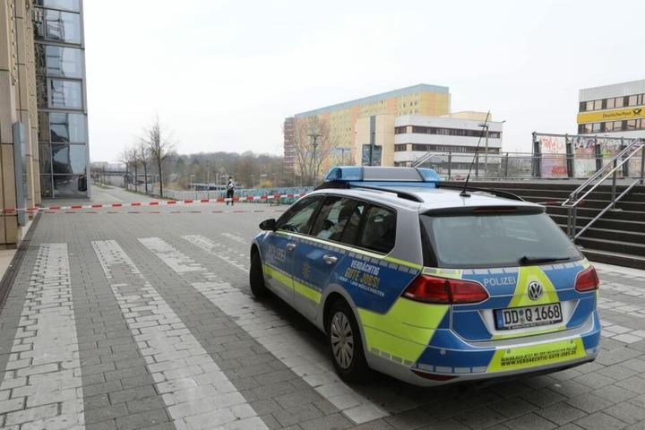 Der Vorfall hatte sich in der Nacht zu Sonntag am Allee-Center in Grünau ereignet.