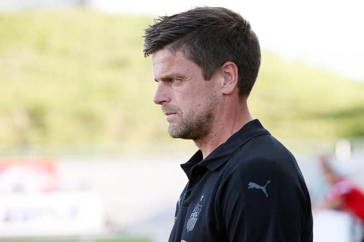 Auch FSV-Trainer Torsten Ziegner guckte die meiste Zeit ernst drein.