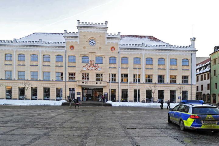 Im Zwickauer Rathaus wurde heftig über den Knastbau debattiert.