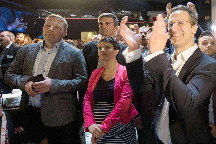 AfD-Vorsitzende Fraue Petry sprach davon, sehr zufrieden mit dem Ergebnis zu sein.