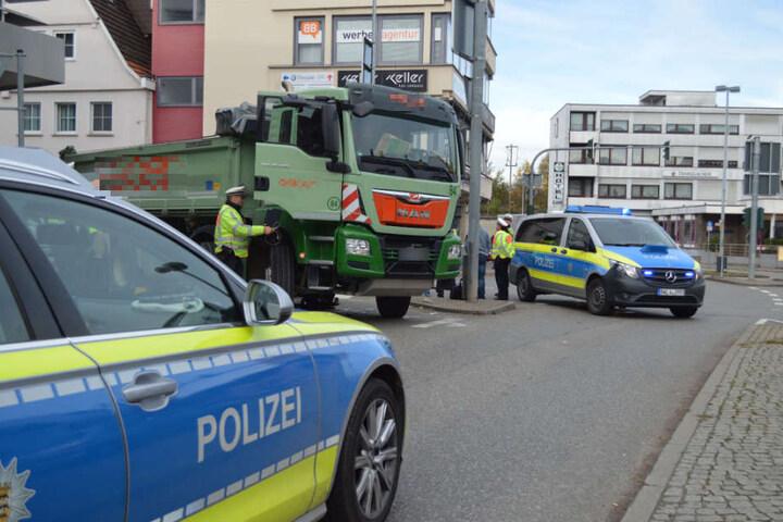 Die Polizei an der Unglücksstelle.