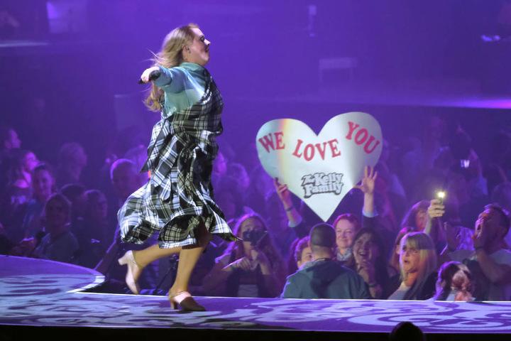 Patricia Kelly genießt ihren Auftritt vor 7000 Fans.